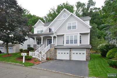 Oakland NJ Single Family Home For Sale: $659,000