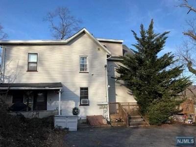 Wanaque Multi Family 2-4 For Sale: 1025 Ringwood Avenue