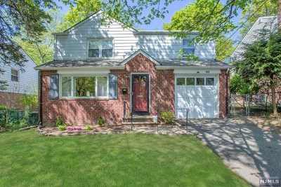 Teaneck Single Family Home For Sale: 980 East Lawn Drive