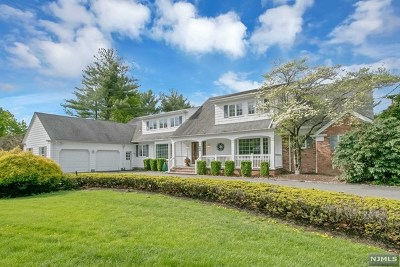 Franklin Lakes Single Family Home For Sale: 376 Long Bow Drive