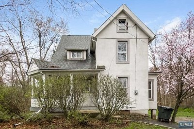 Hillsdale Single Family Home For Sale: 605 Hillsdale Avenue