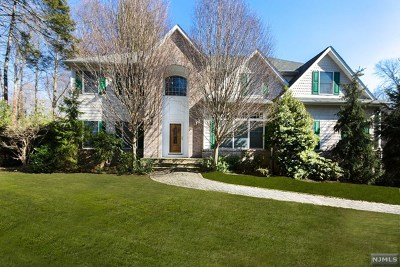 Park Ridge Single Family Home For Sale: 4 Spring Valley Road