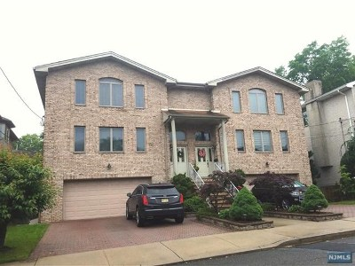 Cliffside Park Condo/Townhouse For Sale: 72 Columbia Avenue