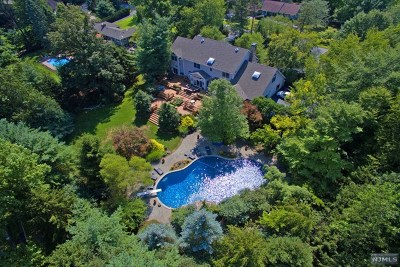 Upper Saddle River Single Family Home For Sale: 108 Fawnhill Road