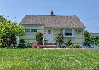 Ridgewood Single Family Home For Sale: 768 Newcomb Road