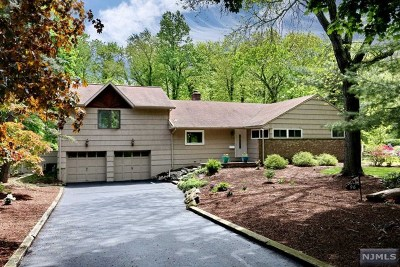 Hillsdale Single Family Home For Sale: 96 Oak Trail Road