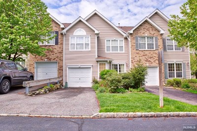 Mahwah Condo/Townhouse For Sale: 328 Vista View Drive