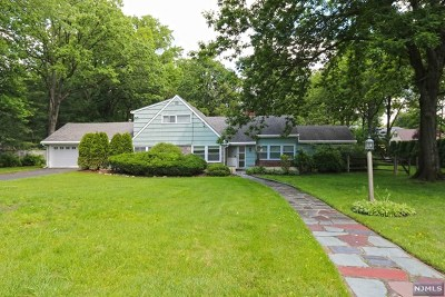 Ridgewood Single Family Home For Sale: 649 Westbrook Road
