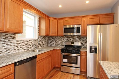 Hackensack Single Family Home For Sale: 302 Berry Street