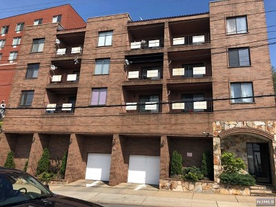 North Bergen Condo/Townhouse For Sale: 1906 Paterson Plank Road #2d
