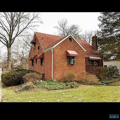 Englewood Single Family Home For Sale: 311 Franklin Road