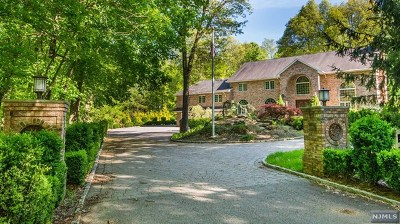Oakland Single Family Home For Sale: 824 Ramapo Valley Road