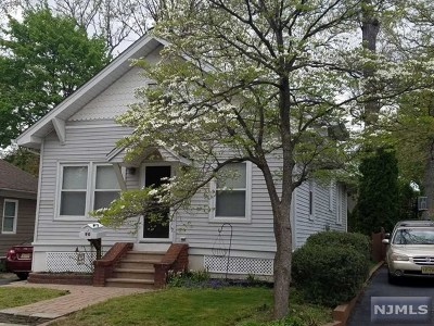 Hillsdale Single Family Home For Sale: 90 Large Avenue