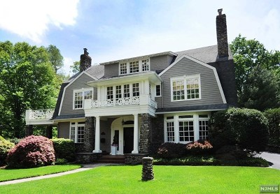 Ridgewood Single Family Home For Sale: 300 Orchard Place