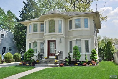 Fair Lawn Single Family Home For Sale: 30-14 Norwood Drive