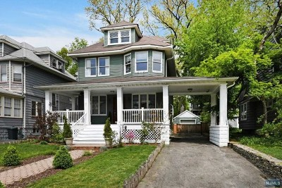 Ridgewood Single Family Home For Sale: 265 Edwards Street