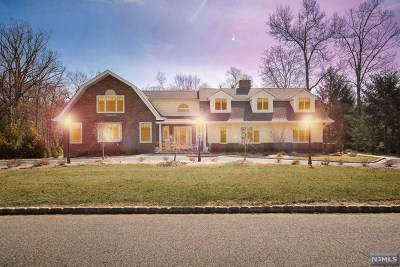 Upper Saddle River Single Family Home For Sale: 8 Ridge Road