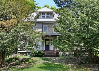 Ridgewood Single Family Home For Sale: 225 Highwood Avenue