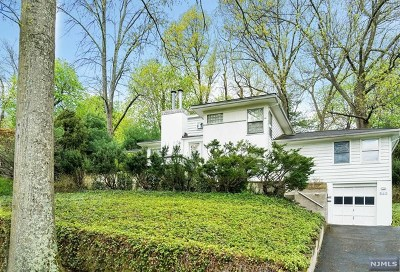 Ridgewood Single Family Home For Sale: 340 Upper Boulevard