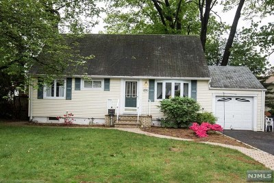 New Milford Single Family Home For Sale: 434 Elizabeth Street