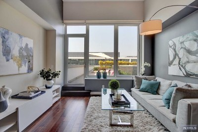 Weehawken Condo/Townhouse For Sale: 1000 Ave At Port Imperial #709