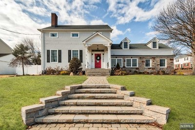 River Edge Single Family Home For Sale: 501 Kinderkamack Road