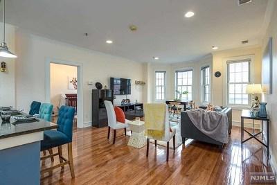 Hoboken Condo/Townhouse For Sale: 904 Jefferson Street #4g