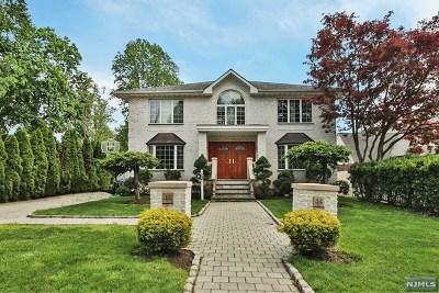 Teaneck Single Family Home For Sale: 44 Bennett Road
