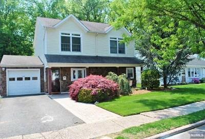 Rochelle Park Single Family Home For Sale: 118 Howard Avenue