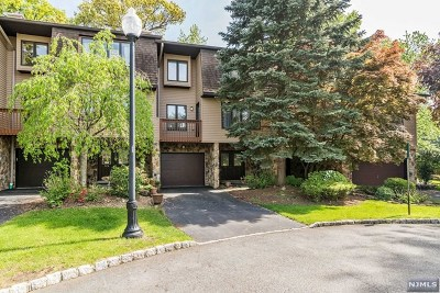 Woodland Park Condo/Townhouse For Sale: 51 Wedgewood Drive