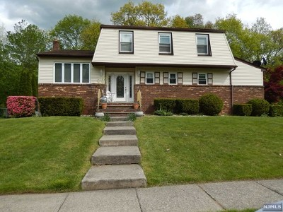 Wanaque Single Family Home For Sale: 41 Northgate