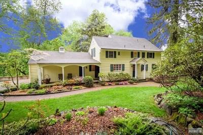 Woodcliff Lake Single Family Home For Sale: 8 Dogwood Lane