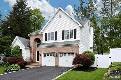 Mahwah Single Family Home For Sale: 5 Wagon Trail
