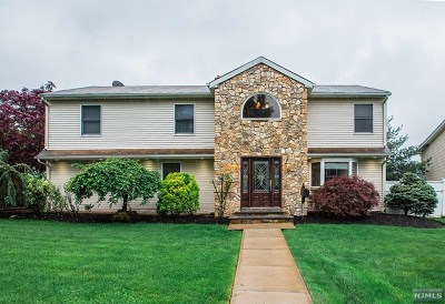 River Edge Single Family Home For Sale: 157 Lozier Terrace