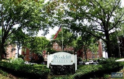 North Bergen Condo/Townhouse For Sale: 8550 Boulevard East #4a