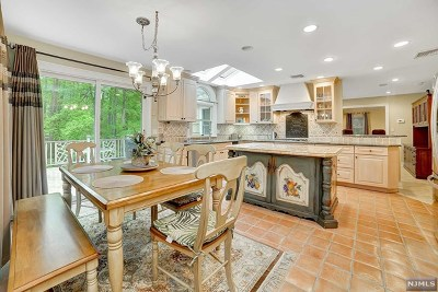 Upper Saddle River Single Family Home For Sale: 24 Hemlock Hill Road