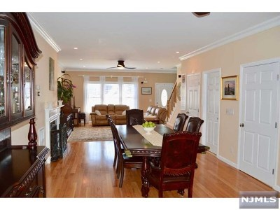 Weehawken Single Family Home For Sale: 80 West 18th Street