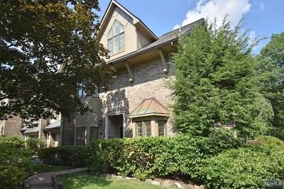 Park Ridge Condo/Townhouse For Sale: 24 Sherwood Downs