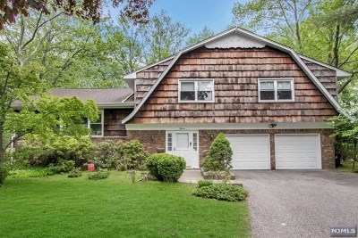 Demarest Single Family Home For Sale: 16 Evergreen Place