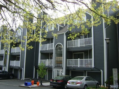 East Rutherford NJ Condo/Townhouse For Sale: $389,900
