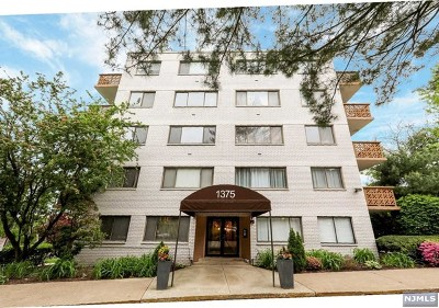 Edgewater Condo/Townhouse For Sale: 1375 River Road #2b