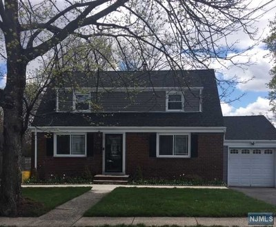 Teaneck Single Family Home For Sale: 633 Glenwood Avenue