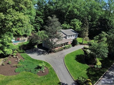 Montvale Single Family Home For Sale: 37 Huff Terrace
