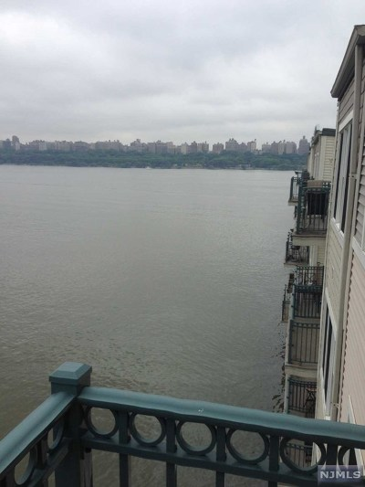 Edgewater Condo/Townhouse For Sale: 103 The Promenade #103