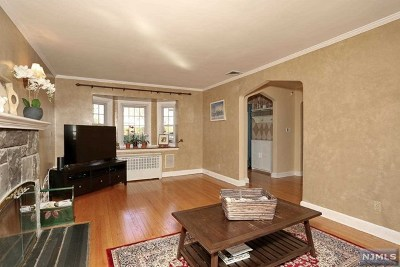 Ridgewood Single Family Home For Sale: 201 Walthery Avenue
