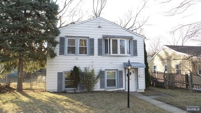 Hillsdale Single Family Home For Sale: 85 Taylor Street