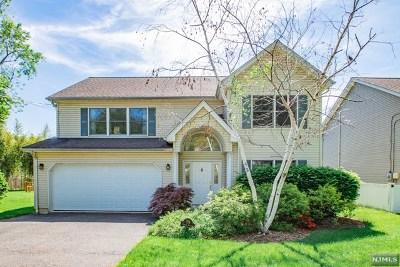 River Edge Single Family Home For Sale: 718 Center Avenue