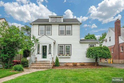 Teaneck Single Family Home For Sale: 387 Woodbine Street