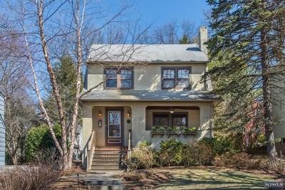 Ridgewood Single Family Home For Sale: 11 Lenox Avenue