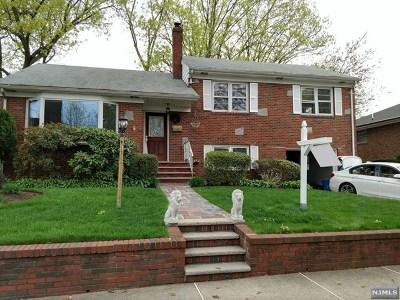 Fort Lee Single Family Home For Sale: 1063 Kingsland Lane